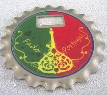 Fado Portugal Outil Triple Utilisation Magnet Frigo Décapsuleur Sous Bock - Tire-Bouchons/Décapsuleurs