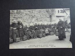 France ( 201 )  Frankrijk  :   Coutumes , Moeurs Et Costumes Bretons  - Bureau De La Marine - Bretagne