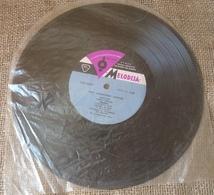 Vinyl Records Stereo 33 1/3 Rpm Melodija Soviet Riga Sings Robertoni Loreti - Vinyl Records