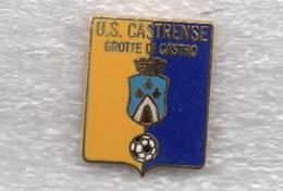 U.S. Castrense Grotte Di Castro Viterbo Calcio Distintivi FootBall Soccer Spilla Pins Italy - Calcio