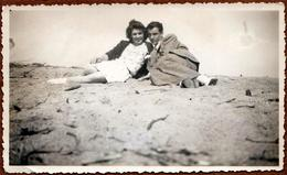 Photo Originale Le Couple De Pigeons Qui Roucoule : Guy & Georgette Sur Les Rochers En 1930/40 - Personnes Identifiées