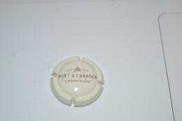 Capsule De Champagne MOET ET CHAMBON - Moet Et Chandon