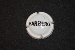 SPUMANTE BARBERO - CAPSULE BLANC, ÉCRITURE NOIR - Capsules & Plaques De Muselet