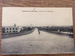 Souvenir De Djibouti Boulevard De La République, éditeur Au Bon Marché, Djibouti - Gibuti