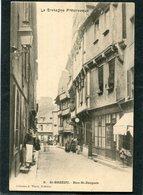 CPA - SAINT BRIEUC - Rue St Jacques, Animé  (dos Non Divisé) - Saint-Brieuc