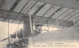 "AVIATION - MEETING - ""LYON AVIATION"" 1910 - METROT ( BIPLAN VOISIN ) AU DEPART AVANT SA CHUTE - Demonstraties"