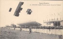 "AVIATION - MEETING - ""LYON AVIATION"" 1910 -  CHAVEZ ( BIPLAN FARMAN ) PASSANT DEVANT LES TRIBUNES - Meetings"