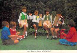 Irlande > Ireland  IRISH CHILDREN DANCE A FAIRY REEL  (Accordéon Enfants Costumes)(Cardall Dublin 412)*PRIX FIXE - Non Classés