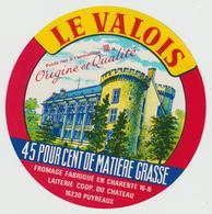 étiquette De Fromage:   Camembert   :  Le  Valois , Varietè ! - Fromage