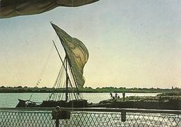 Soudan. CPM. Coucher De Soleil Sur Le Nil (Sunset Onthe Nile)  (animée, Bateau De Pêche= - Sudán