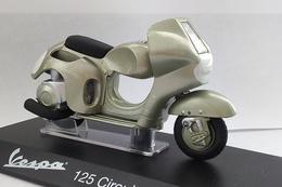 """Miniature Scooter 1/18 - Vespa 125 Corsa """"Alloy Frame"""" Circuito 1949/1950 - Motos"""