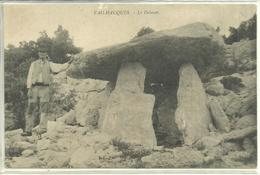 2 Cartes : Rare Cpa Sur Le Dolmen (animé) De Vailhauques (Hérault) + Dolmen De Coste Rouge De Grandmont Lodève Languedoc - Dolmen & Menhire