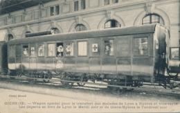 """CP GIENS - HYERES VAR - CROIX-ROUGE """" Wagon Spécial Transfert Malades De Lyon à Hyères Et Vice-versa """" - Hyeres"""