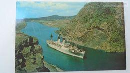 D166805  Panama - Gaillard Cut - Panama Canal - Corte Culebra  Ca 1960  Steamer - Panama