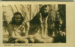 ERITREA - MACINANDO LA DURA - EDIZIONE TIPOGRAFIA FRANCESCONE - 1920s  (BG3987) - Eritrea