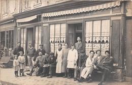 """LE MANS  -  Carte-Photo D'un Groupe Devant """" L'Hôtel De La Normandie """" - Annuaire Des Professions 1924 Page 1818 - Le Mans"""