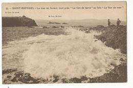 """CPA, D. 83,N°44, St. Raphaël ,La Mer En Fureur ,tout Près """" Le Lion De Terre """" Au Loin ,Le Lion De     , Ed. Uni France - Saint-Raphaël"""