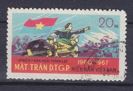 Vietnam Vietcong 1967 Mi. 13   20 (xu) Befreiungsfront Frau Und Soldaten Der Befreiungsfront Im Angriff - Vietnam