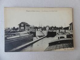 Tugny Et Pont Les écluses Et Le Pont Neuf - Frankrijk
