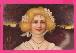 CPA (Réf: Z2286) (THÈME FEMMES) Jolie Femme Avec Fleurs Dans Les Cheveux - Donne