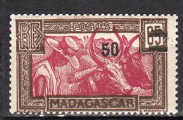 Madagascar Yvert N° 234 Neuf Avec Charnière Lot 6-81 - Madagascar (1889-1960)