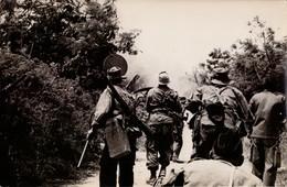 GUERRE INDOCHINE TIRAILLEURS DEMINAGE  PHOTO 18 PAR 12 CM - Guerres - Autres