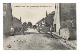 CPA 70 COURCHATON La Sortie Route De VELLECHEVREUX - Francia