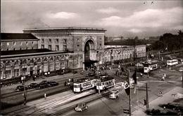 ! 1962 Ansichtskarte  Mannheim, Hauptbahnhof, Straßenbahnen, Tramways, Autos, Cars, VW Käfer, Bulli - Stations Without Trains