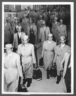 Photo Presse 1956 - SQUADRA OLIMPIONICA ROMANIA - ROMAN - ROUMANIE - VICTORIA AUSTRALIA - Persone Anonimi