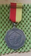 Medaille :Netherlands  - Sgwb - Sticht Gooise Wandelsport Bond - Amersfoort.  / Vintage Medal - Walking Association - Nederland