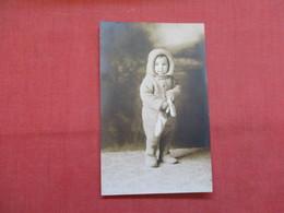 RPPC  Child In Winter Cloths   Ref    3568 - Fashion
