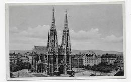 (RECTO / VERSO) WIEN EN 1937 - VOTIVKIRCHE - BEAU TIMBRE ET CACHET - DOS ABIME - PLI ANGLE BAS A GAUCHE - CPA VOYAGEE - Églises