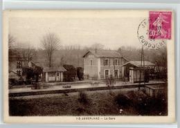 53044426 - Javerlhac-et-la-Chapelle-Saint-Robert - Francia