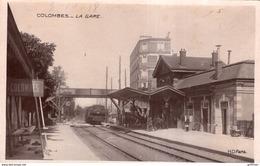 COLOMBES LA GARE 1918 TRAIN LOCOMOTIVE CPA GLACEE TBE - Colombes