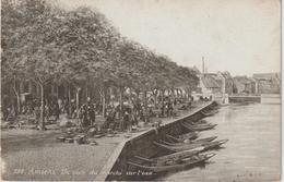 Somme :  Amiens :  Vue  Un  Coin  Du Marché - Amiens