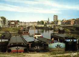 CPSM Grand Format DUNKERQUE  Péniches à L'entrée Du Canal De Bourbourg Colorisée RV - Dunkerque