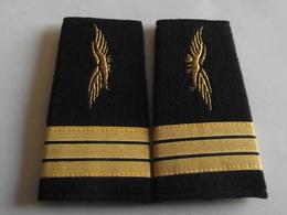 Fourreaux Grade Capitaine Armée De L'air - Uniformes