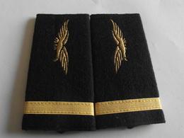 Fourreaux Grade Sous-lieutenant Armée De L'air - Uniformes