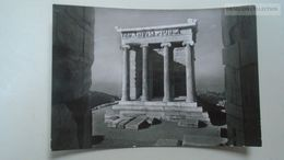 D166878  Greece  - Athens  Acropolis  Nike Temple   Cancel Kifissia  1964  Stamp Knossos - Griekenland