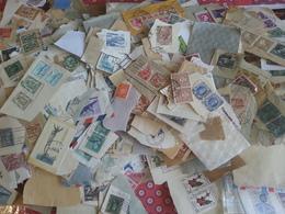 LOT N° E763  VRAC Du Monde , Sur Fragments - Stamps