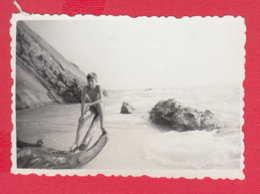 247729 / 1967 - RIVER VELEKA BOY NUDE Naked  , Swimming , Vintage Original Photo , Bulgaria Bulgarie - Persone Anonimi