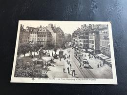 190 - STRASBOURG La Place Gutenberg Et Les Grandes Arcades - Strasbourg
