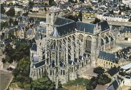 72----LE MANS---la Cathédrale Saint-julien--XIè - XVè Siècle--vue D'avion Au Premier Plan---voir 2 Scans - Le Mans