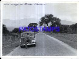 118425 ARGENTINA CORDOBA MINA CLAVERO AUTOMOBILE CAR AUTO & MAN 11.5 X 8.5 PHOTO NO POSTCARD - Fotografie