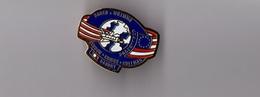 Pin's Espace NASA / Insigne Programme Challenger STS-51-E (Baudry, Bobko, Williams...) Base Dorée - Longueur: 2,8 Cm - Espace