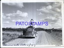 118442 ARGENTINA SALTA & JUJUY CAMINO AUTOMOBILE CAR & MAN WITH CAMARA DE FOTOGRAFIA AÑO 1942 11 X 8.5 PHOTO NO POSTCARD - Fotografie