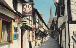 Postcard Church Lane Ledbury [ Prince Of Wales Whitbread Pub In Foreground ] My Ref  B13553 - Herefordshire