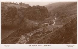 Postcard The Bronte Valley Haworth West Yorkshire RP By Walter Scott My Ref  B13554 - England