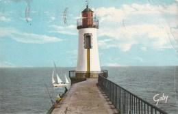 Carte Postale Des Années 50 - Les Sables D'Olonne - Le Phare - Barche