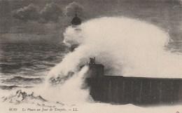 Carte Postale Ancienne - Le Phare Un Jour De Tempête - Barche
